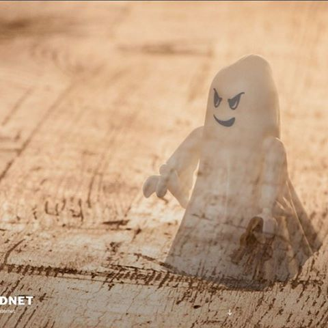 A new picture for my website - a Playmobil ghost