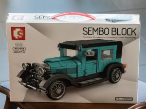 """Karton des Sets """"Oldtimer schwarz/türkis von Sembo Blocks"""""""